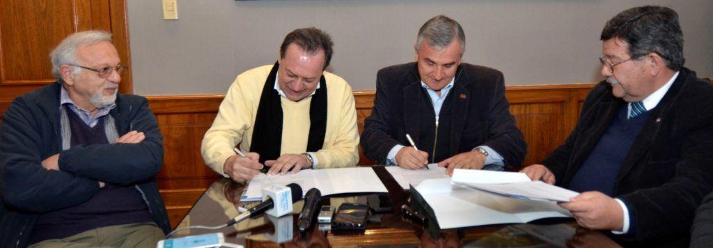 El gobernador junto al ministro de turismo de la nación firmaron el acto compromiso para que Jujuy reciba los diez millones para avanzar con la primera etapa del tren turístico.