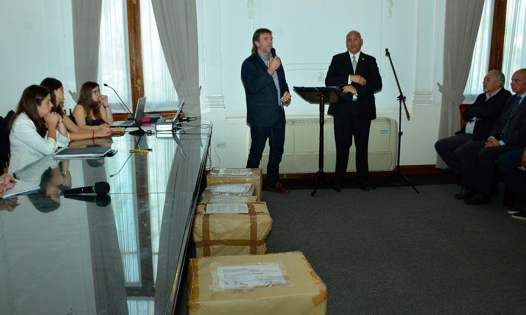 201217 Apertura Sobres (7)