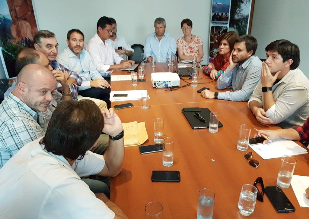La reunión fue encabezada por el Ministro Federico Posadas.