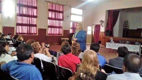 La secretaria de Gestión Educativa, Silvina Camusso, pidió a nuevos directores concentrar esfuerzos en una educación de calidad.