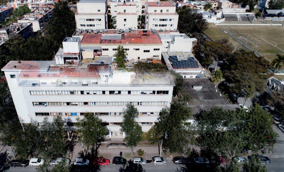 Imágenes de archivo: momento de montaje de paneles en las obras para el mini parque solar del MISPTyV.
