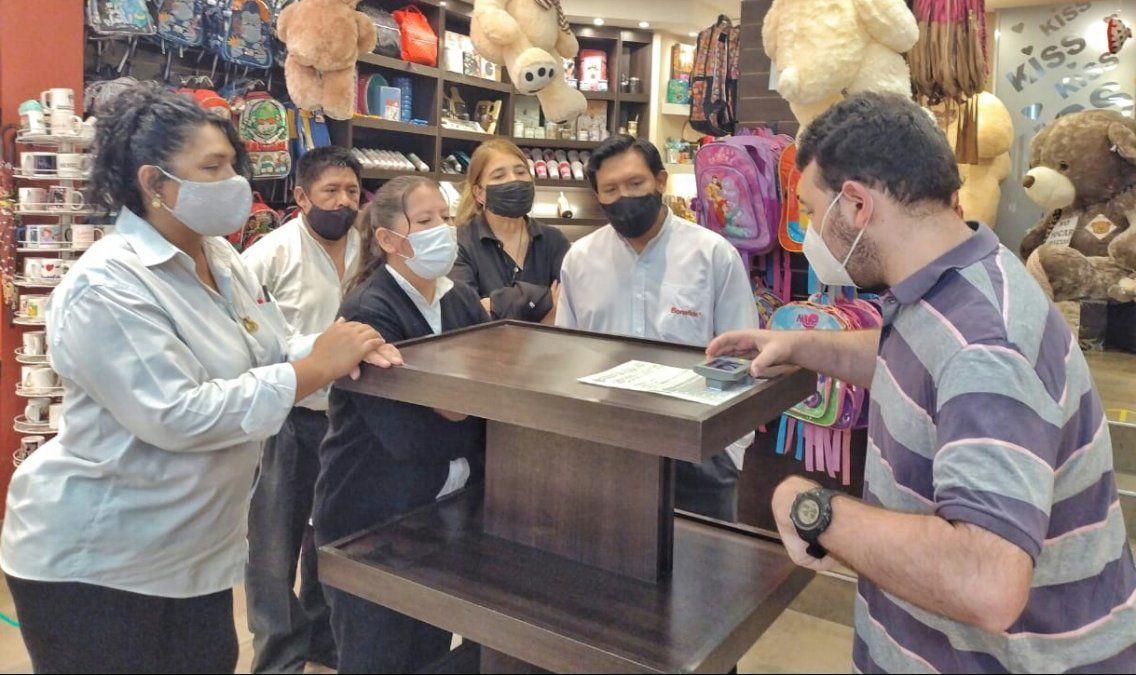 """capacitaciones en locales comerciales sobre el """"Buen trato a clientes con Discapacidad"""""""