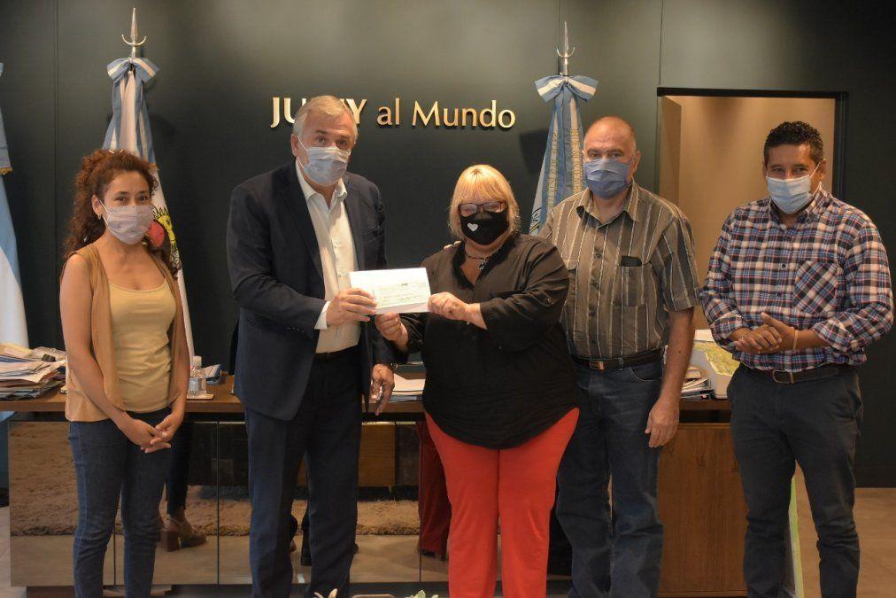 El Gobernador Morales entregó fondos al Hogar San Roque