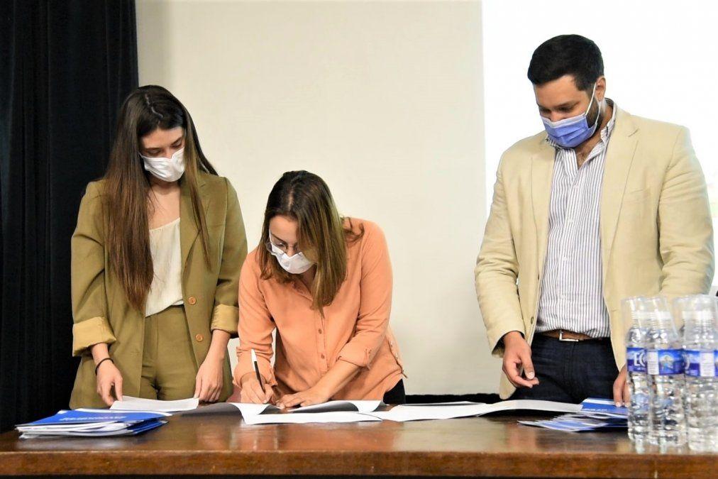 Salud firmó convenio de trabajo con 18 municipios