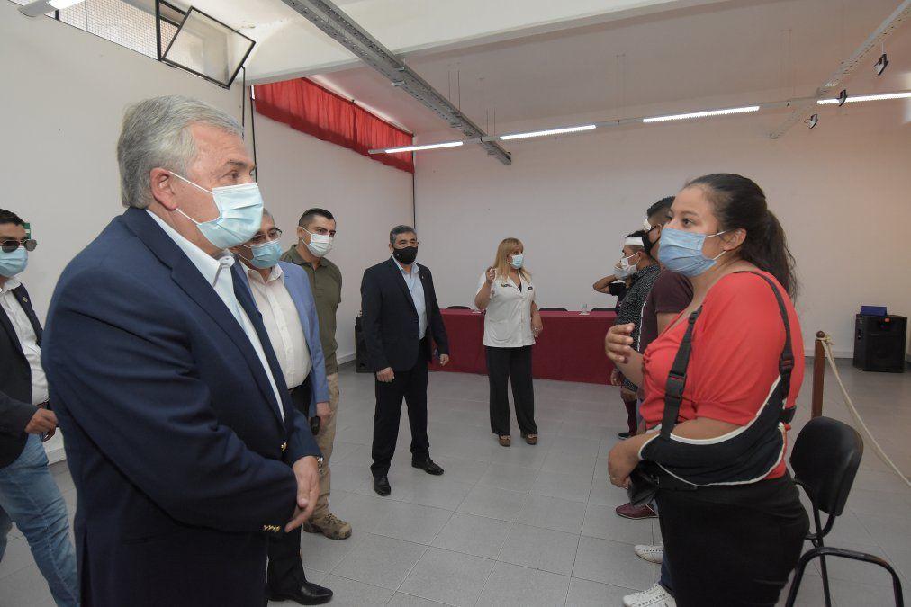 Morales visitó a policías lesionados