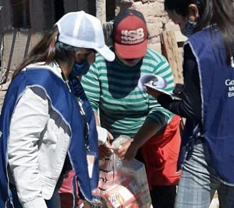 Entrega de Unidades Alimentarias en Tilcara.