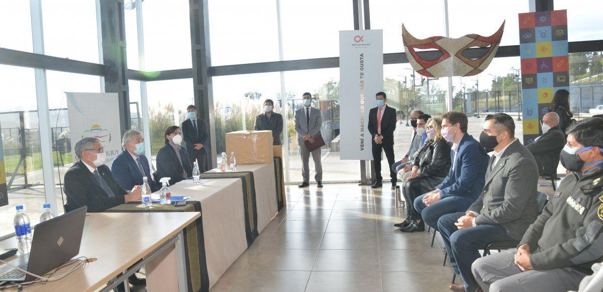 Morales encabezó la apertura de sobres para la construcción de la nueva cárcel en Chalicán
