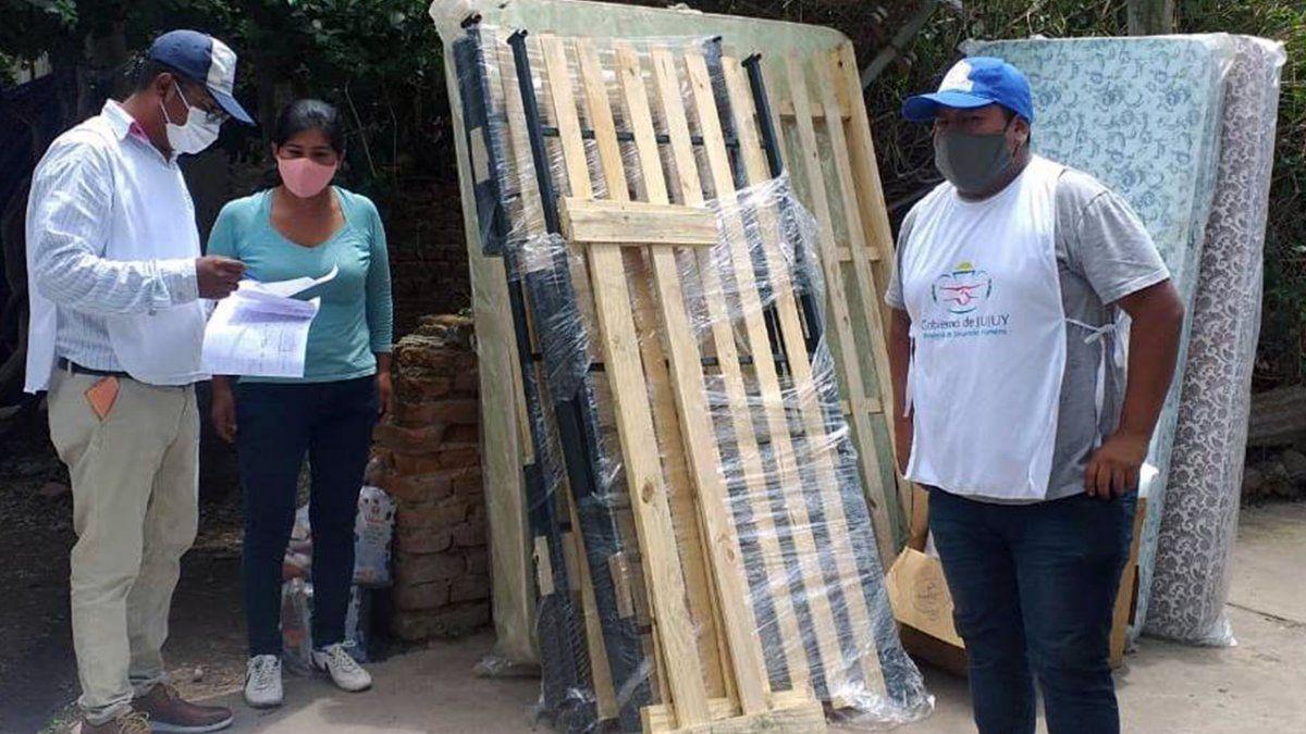 Ayuda social a familia que sufrió el incendio de su inmueble en Perico