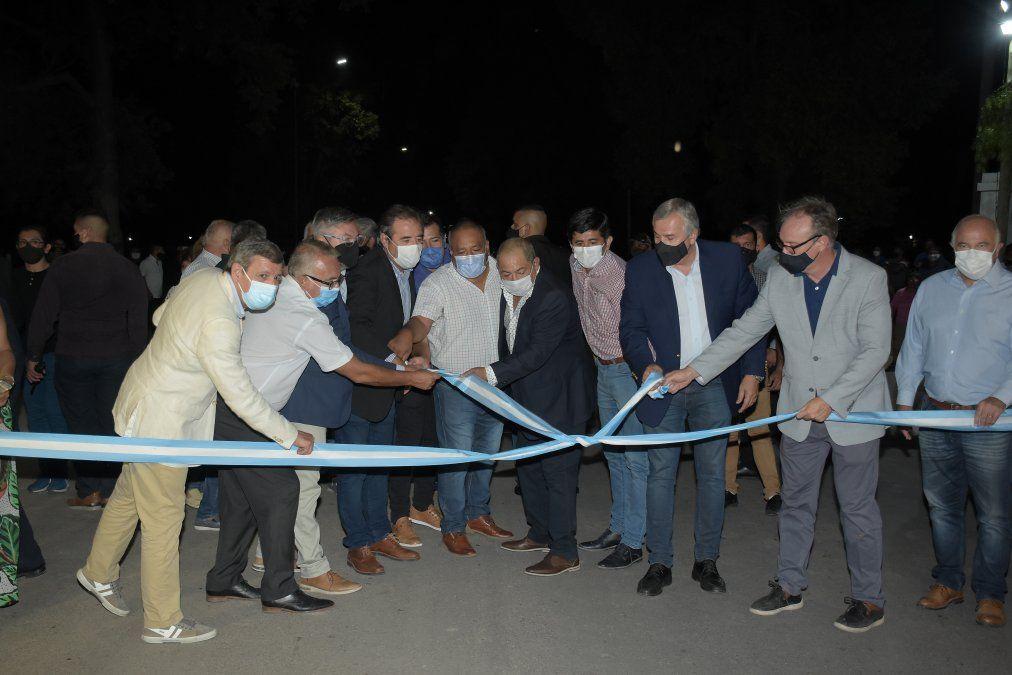 Mejora integral de sistema de alumbrado público y pavimento en La Esperanza