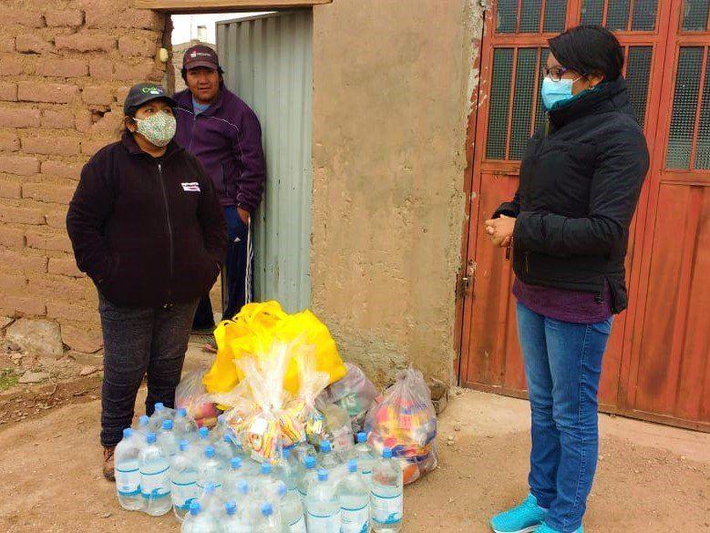 Asistiencia a familias en aislamiento de comunidades aborígenes de Rinconada.