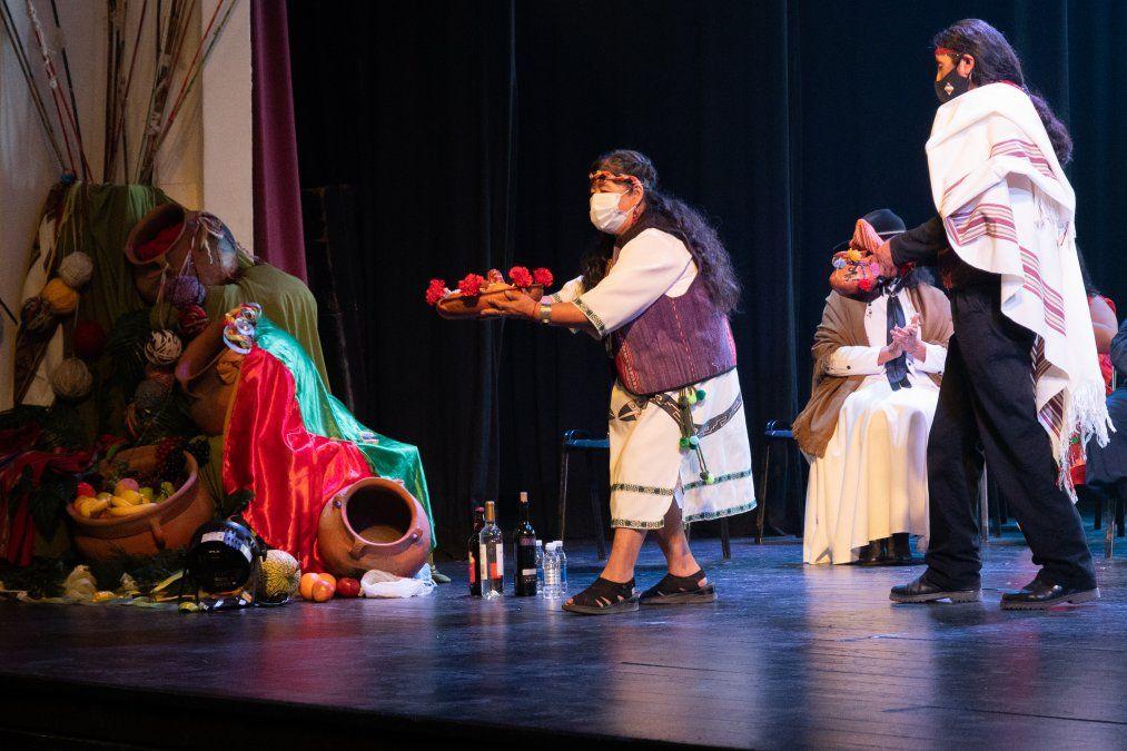 Durante la ceremonia las cuatro Regiones de la Provincia Homenajearon a la Pachamama