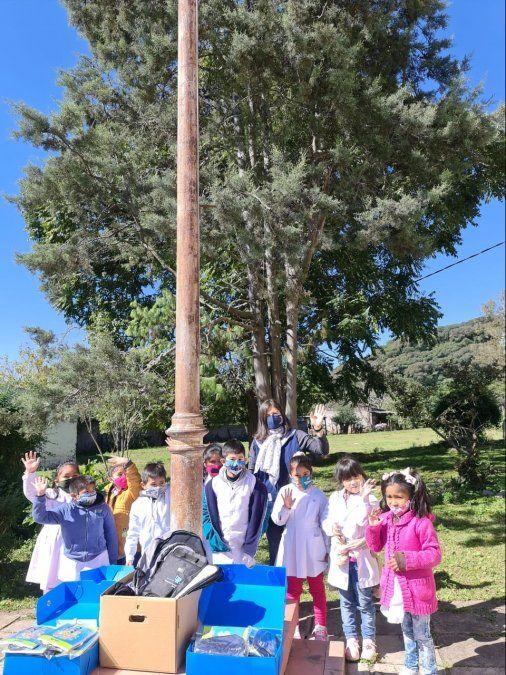 La Dirección de Rentas realizó donaciones a escuelas primarias