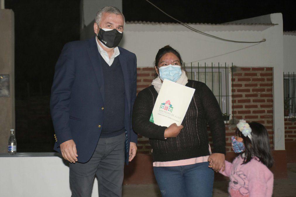 Se entregaron viviendas en San Pedro a familias que fueron relocalizadas