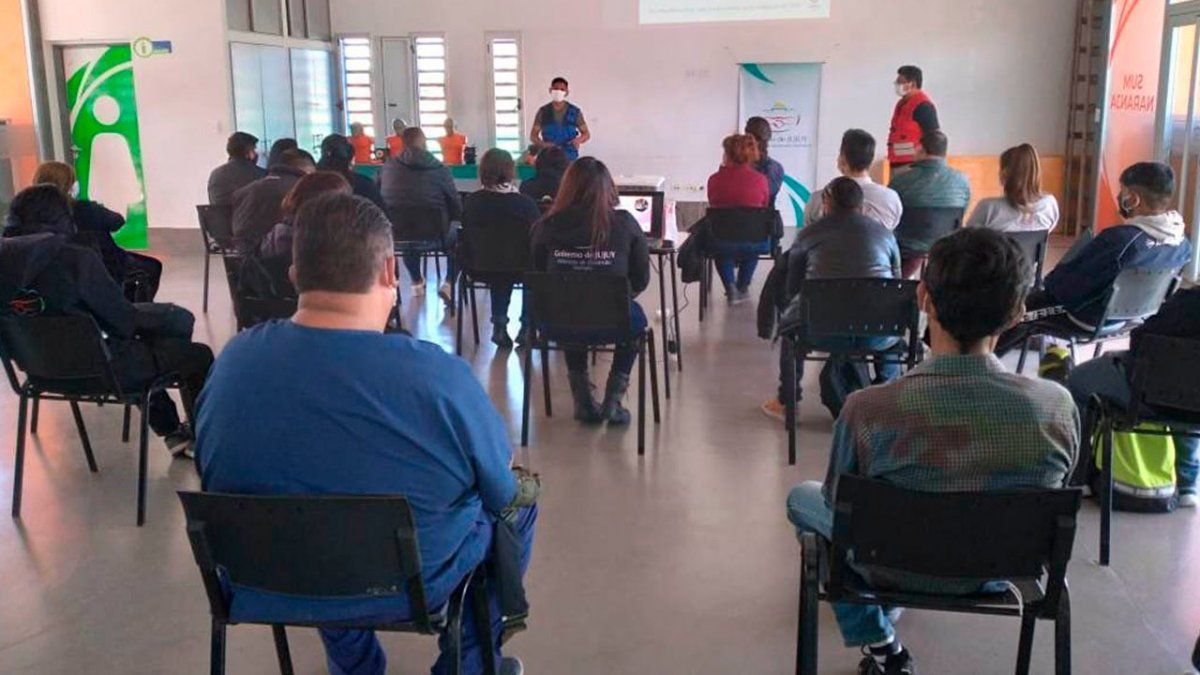 Equipos técnicos de Desarrollo Humano continúan con las capacitaciones de accionar ante emergencias