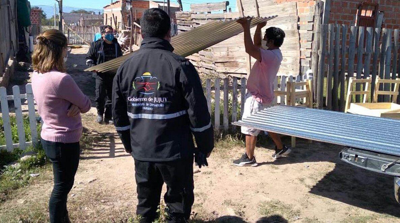 Ayuda social a familias de Alto Comedero y San Pedro