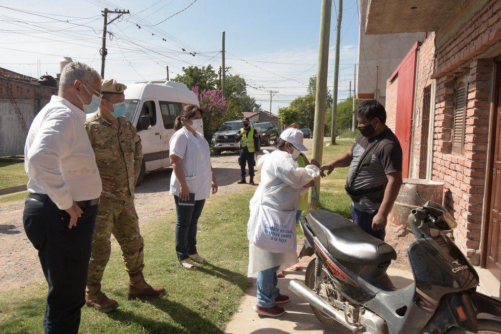 Rastrillaje sanitario en barrio Sargento Cabral