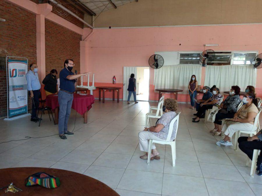 Equipo de trabajo de la Compañía de Seguros de Jujuy recorre el interior de la provincia