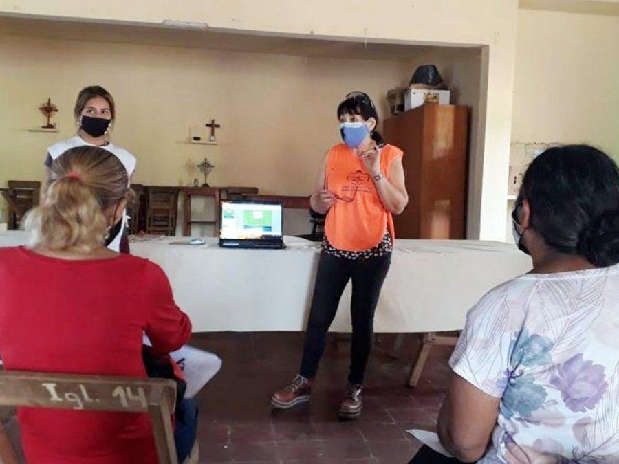 Talleres de huertas agroecológicas y alimentación saludable en Palma Sola
