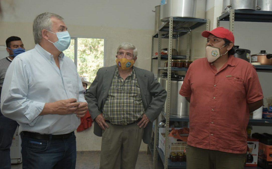 Morales se acercó a dialogar con productores de tomate chilto