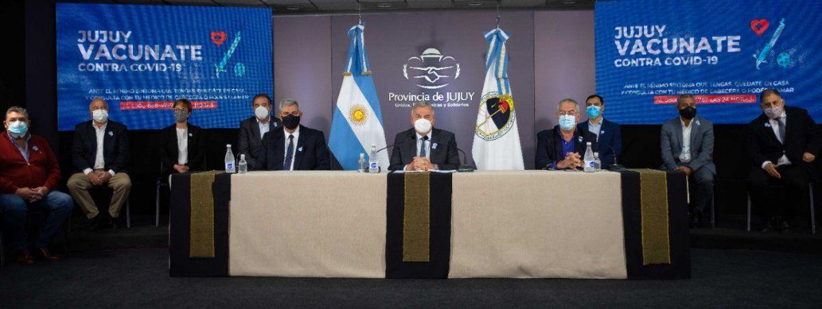 Morales anunció avanzadas gestiones para la compra de un millón de vacunas a Sinopharm