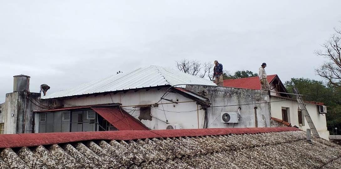 Rápido avance de obras en cubierta del Hospital Oscar Orías