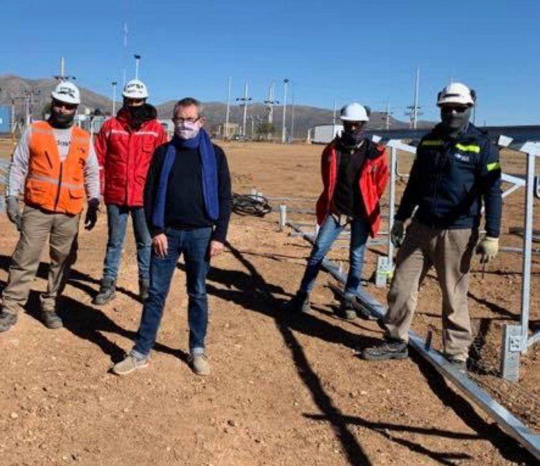 Las obras en Piedra Negra le darán al país la primera central híbrida termo-fotovoltaica.
