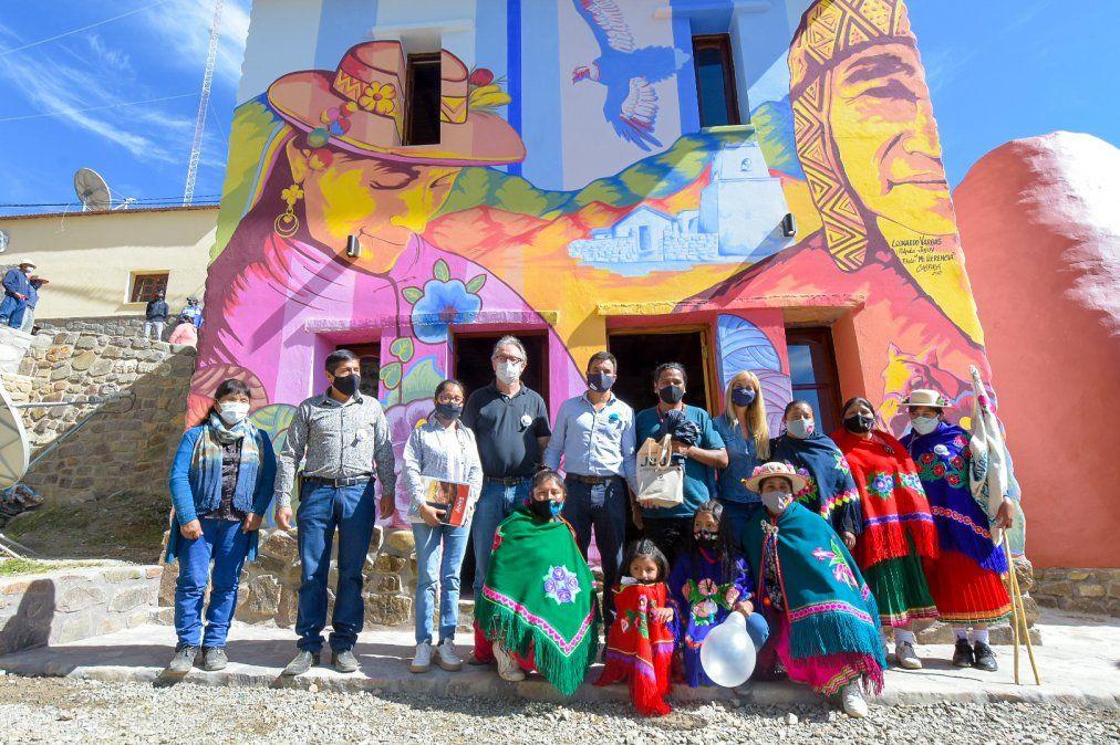 Inauguraron el Centro Cultural Caspalá y entregaron equipamiento a emprendedores turísticos