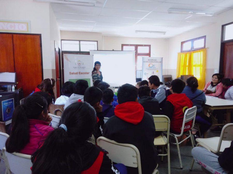 Promueven estilo de vida saludable en escuela de Yala