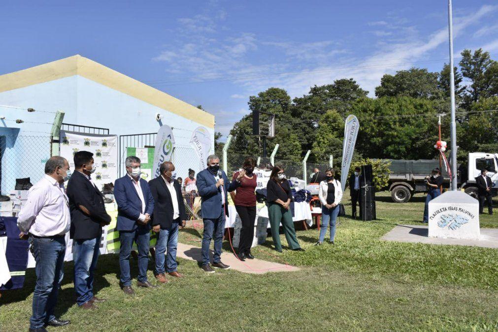 Morales entregó indumentaria técnica y equipos de seguridad en las Yungas