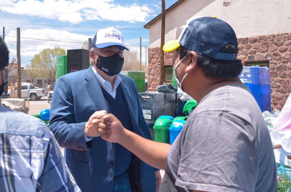 Jujuy Verde: el Gobernador entregó mobiliario para residuos a jurisdicciones de la Puna