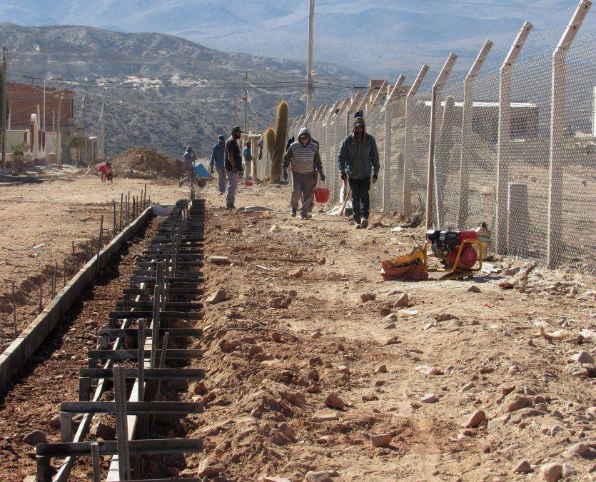 Las obras complementarias que propiciarán las de la nueva Terminal en Humahuaca avanzan desde el MISPTyV con el acompañamiento técnico del municipio.
