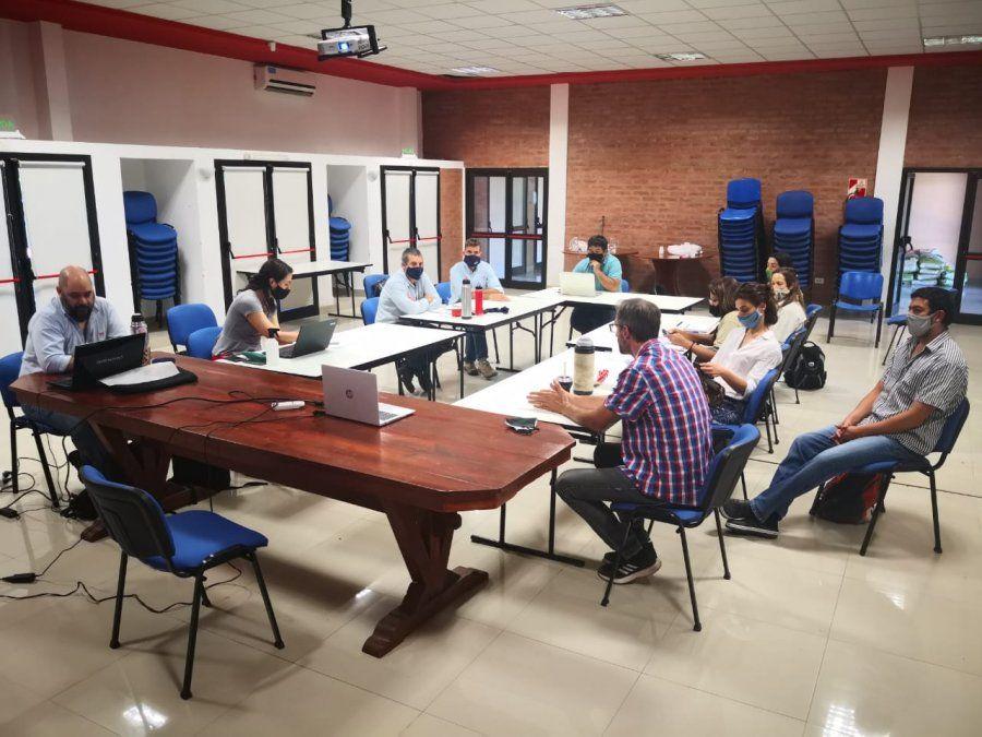 Reunión del Ministerio de Ambiente de la provincia con el INTA Yuto
