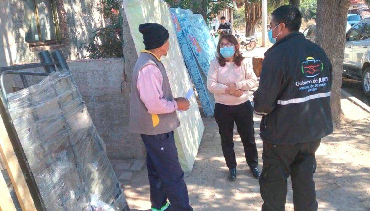 Ayuda social a familias de Rodeito y Palpalá