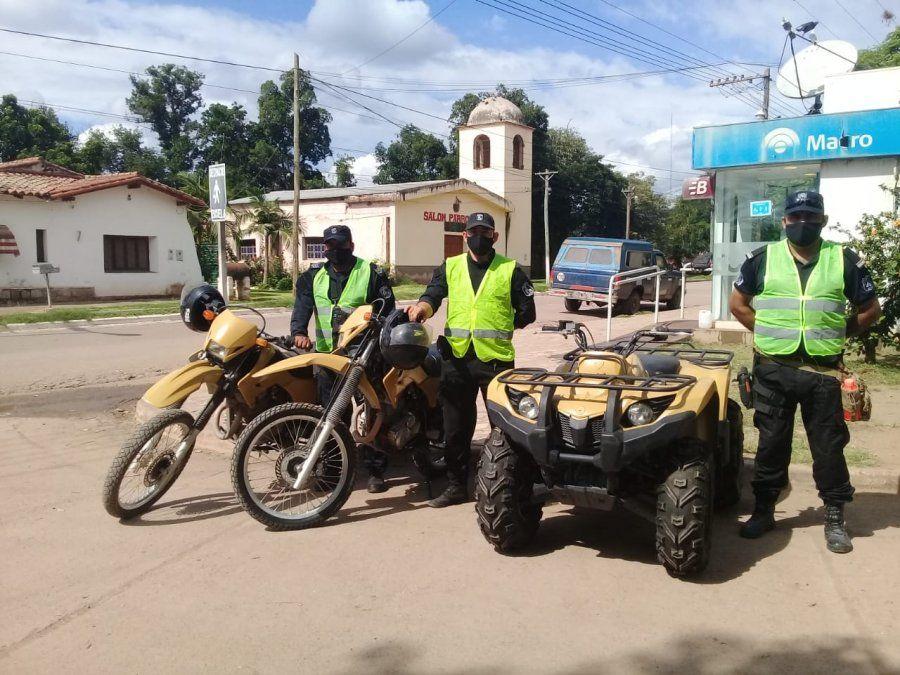 Entregaron dos motos y un cuatriciclo a nuevos efectivos de la Policía Rural para que puedan cumplir con el servicio de seguridad diario