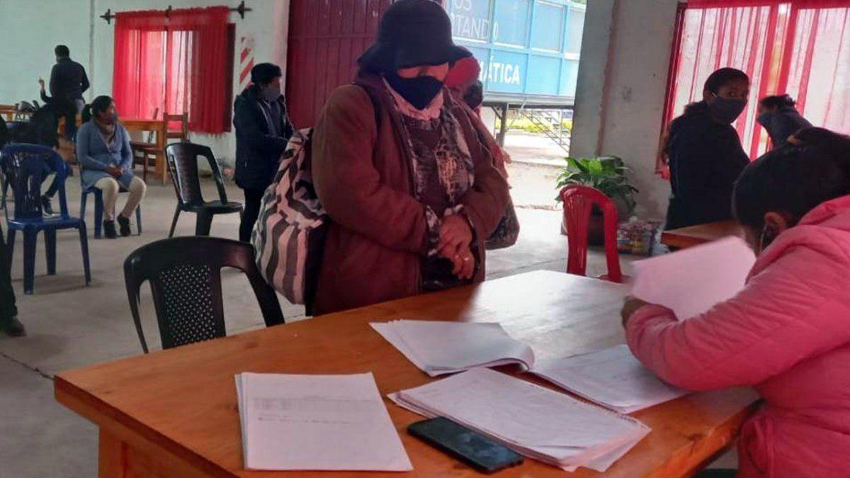 Familias de Pampa Blanca recibieron las Unidades Alimentarias