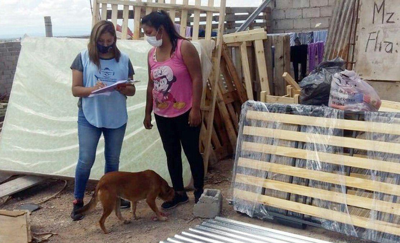 El Ministerio de Desarrollo Humano atendió con elementos de primera necesidad a familias de Capital y Palpalá