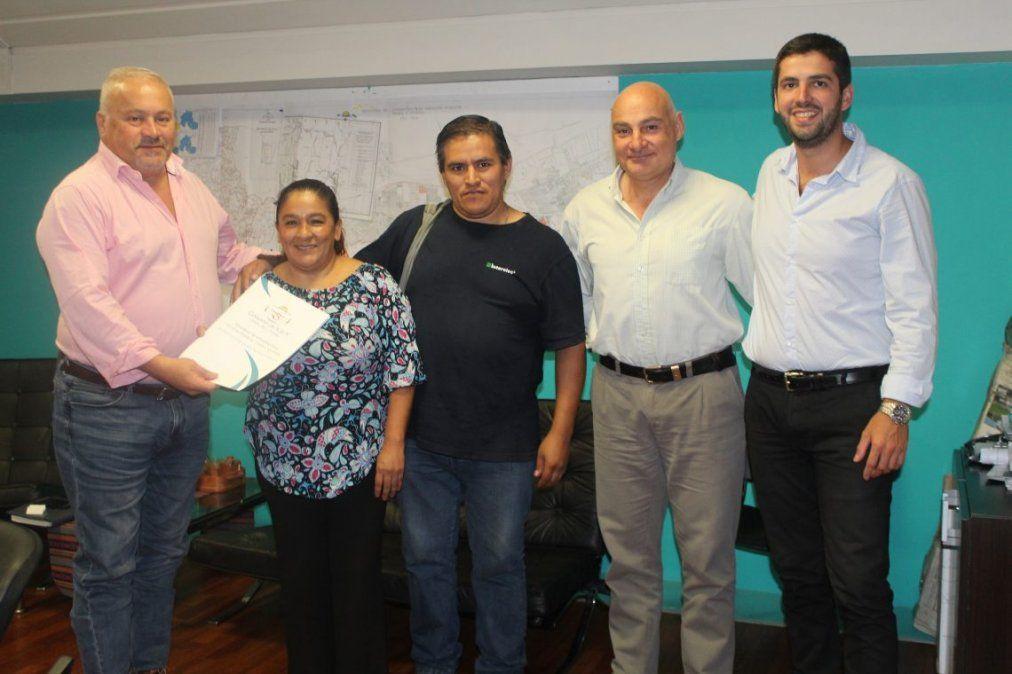 Soluciones habitacionales para familias de la capital y cordones cuneta para la localidad de San Francisco