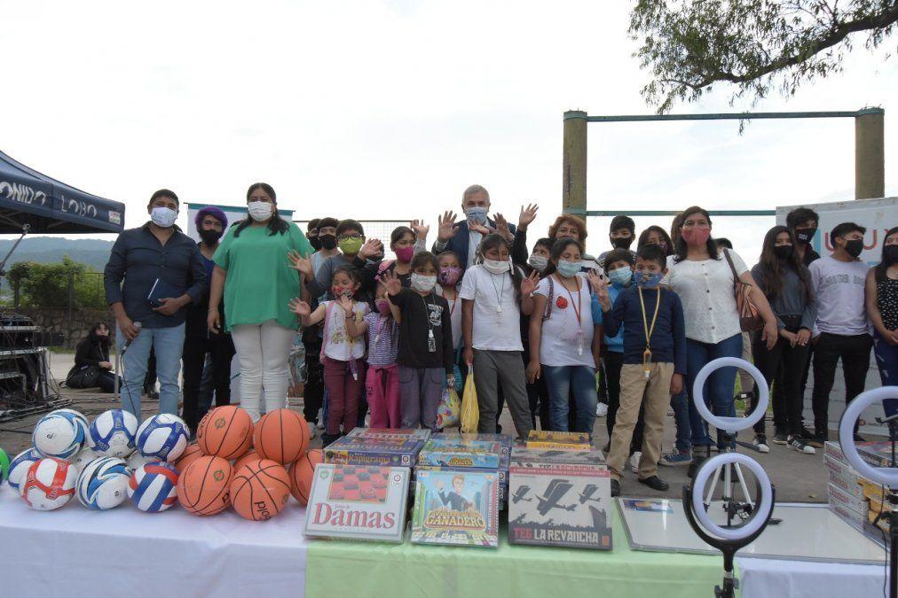 Morales lanzó el Club Joven en Capital