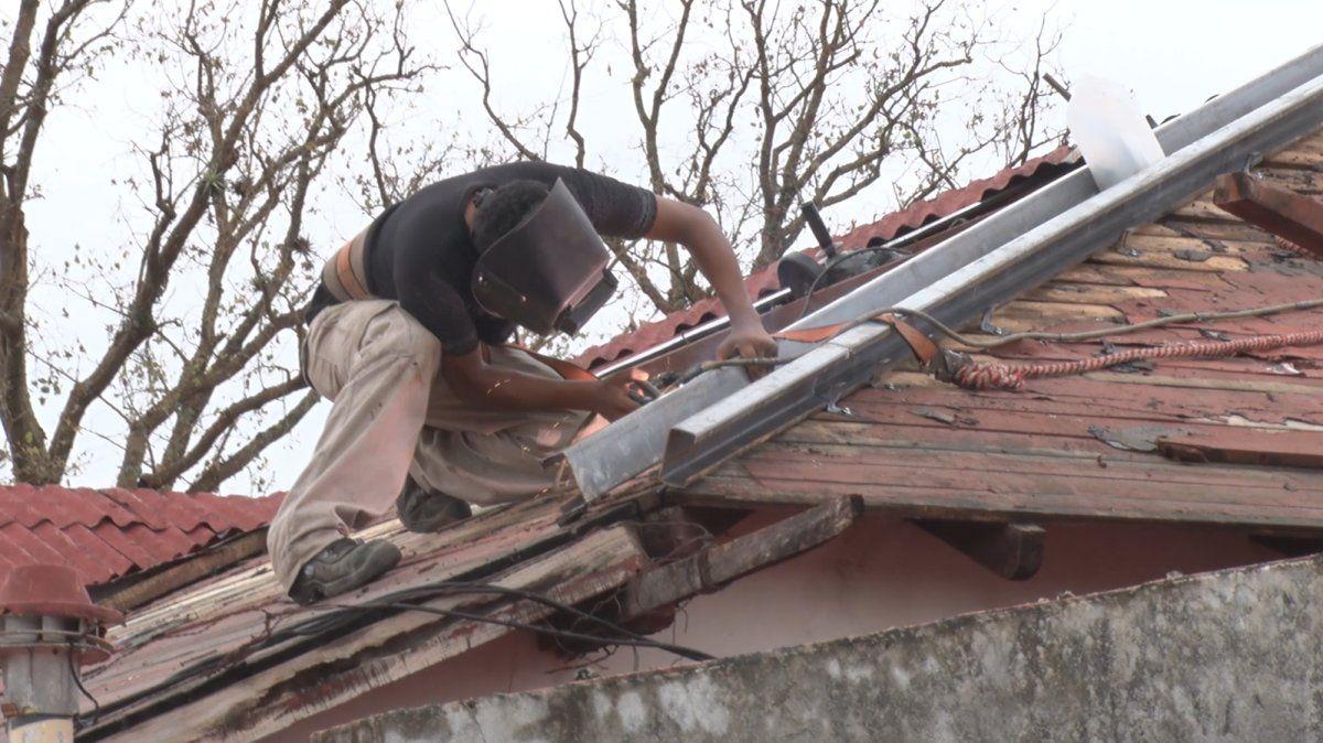 Infraestructura inició la semana pasada obras de reparación de cubeirtas en el Hospital Oscar Orías.
