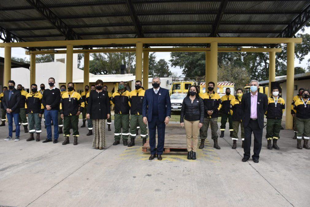 El Gobernador reconoció a los combatientes de  incendios forestales