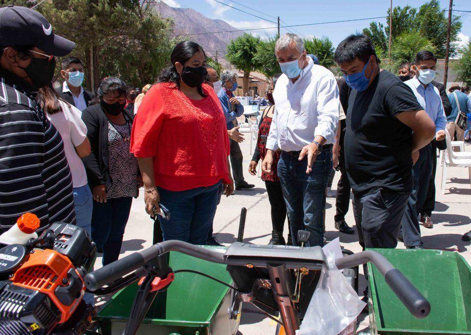 Morales entregó equipamiento del programa Potenciar Trabajo
