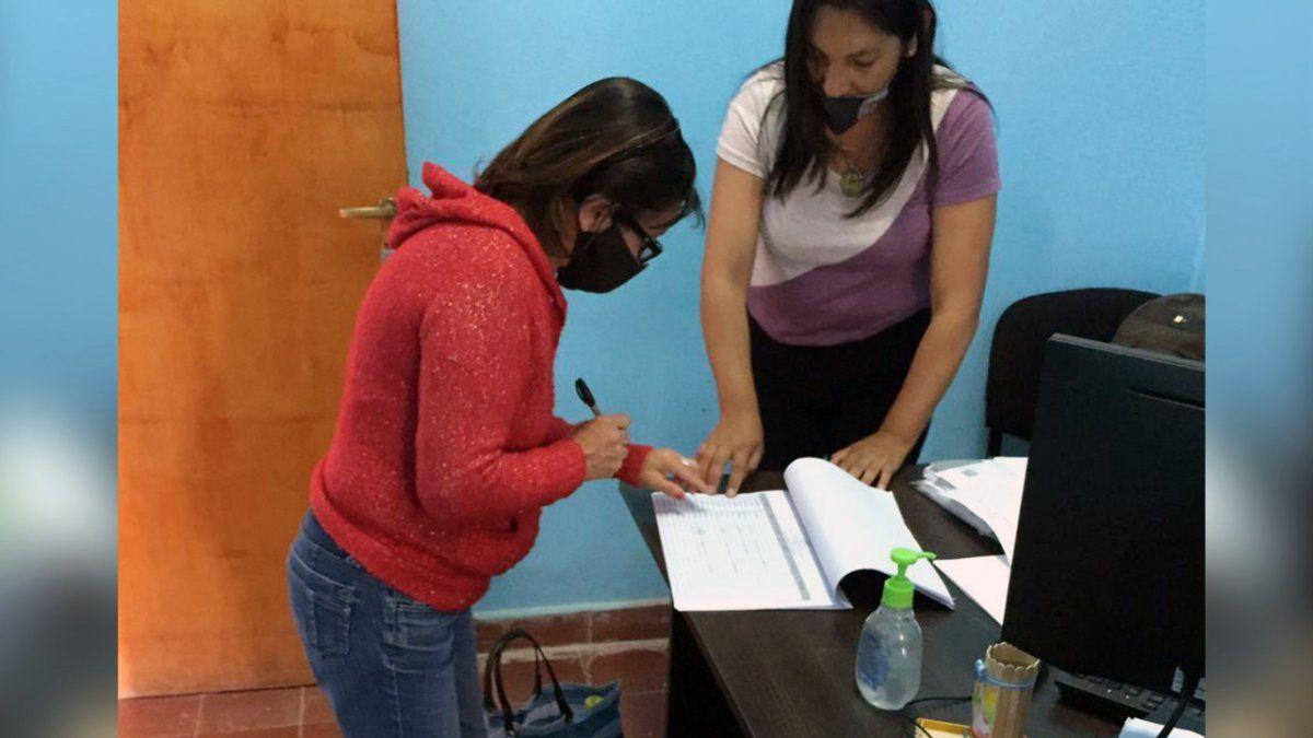 Entrega de Unidades Alimentarias para familias de Volcán