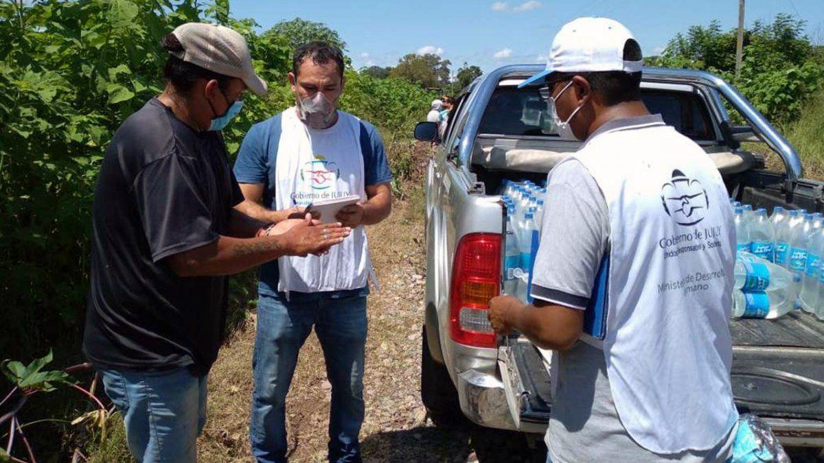 Desarrollo Humano también se asistió a las familias de El Pongo con agua envasada